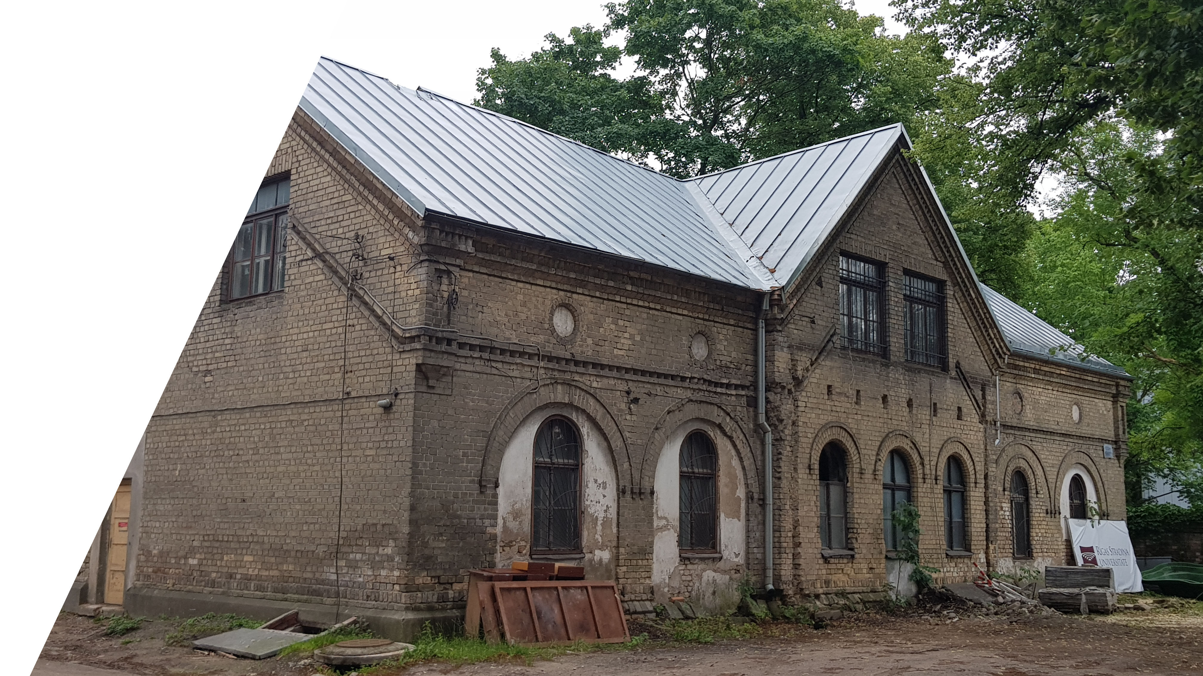 RECONSTRUCTION OF RIGA STRADINS UNIVERSITY HITORICAL STABLE INTO A MUSEUM BUILDING